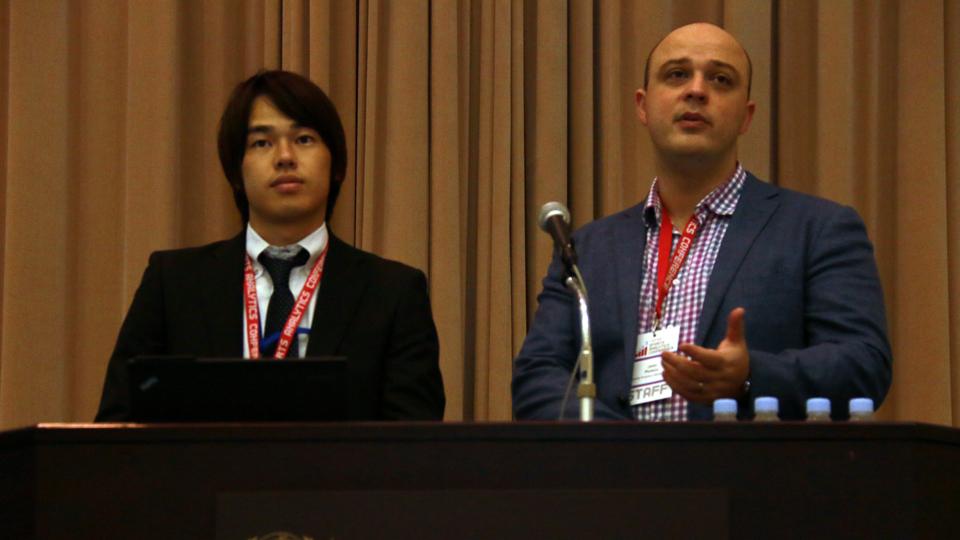 基調講演に登壇したPersico氏(右)と悴田氏
